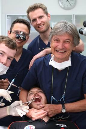 Jonas Link zieht Jonas Thümmler den Zahn (besser nicht)